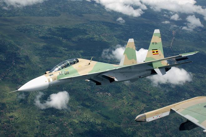 Hổ mang chúa Su-30MK2 luyện tập nhào lộn cực thấp - Ảnh 1.