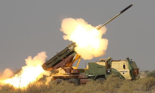 Hợp đồng 2 tỷ USD mua 6 trung đoàn pháo phản lực mới: Liệu có tiền mất tật mang? 1