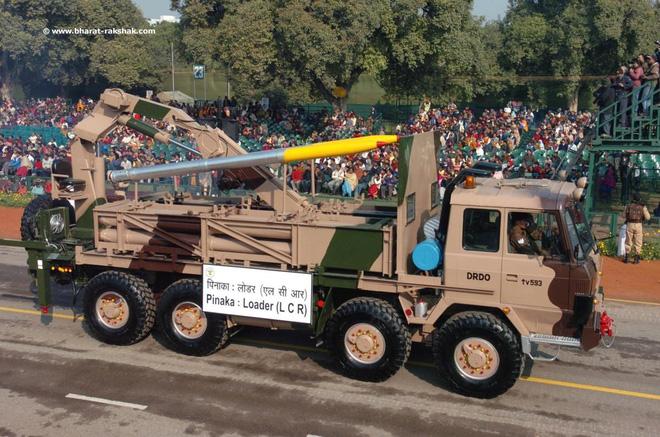 Hợp đồng 2 tỷ USD mua 6 trung đoàn pháo phản lực mới: Liệu có tiền mất tật mang? 2