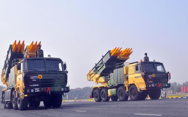 Hợp đồng 2 tỷ USD mua 6 trung đoàn pháo phản lực mới: Liệu có tiền mất tật mang? 3