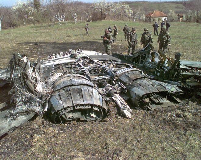 Nữ phi công tiêm kích Su-27 bắn hạ thầy giáo đang bay trên MiG-29 2