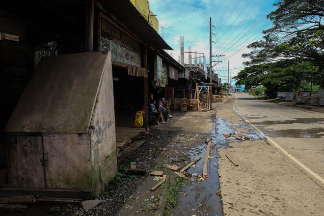 Những hình ảnh đầu tiên từ thành phố ma Marawi, nơi bị IS chiếm đóng ở Philippines - Ảnh 2.