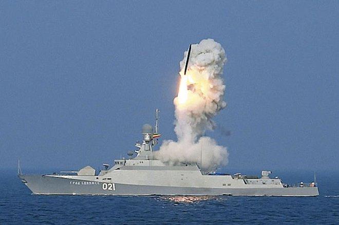 Nga ồ ạt đưa tên lửa Kalibr lên tàu ngầm: Sẵn sàng đánh phủ đầu, hủy diệt mọi mục tiêu - Ảnh 1.