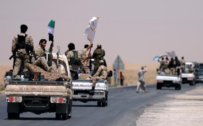 Hình ảnh các lực lượng Syria rầm rộ tiến về thủ phủ IS ở Raqqa