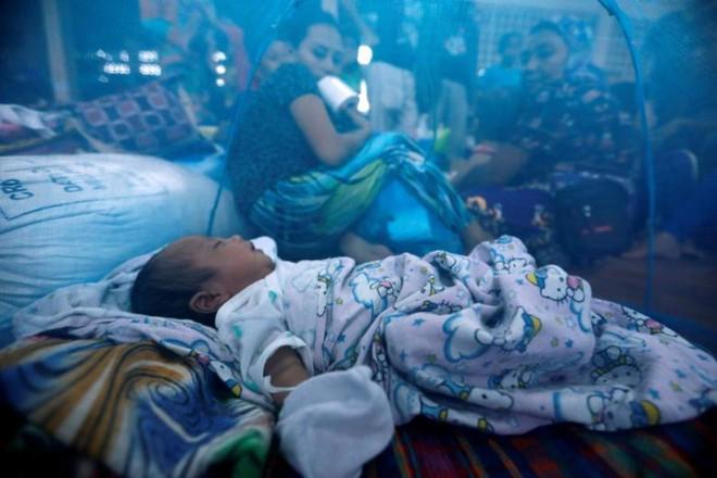 Hình ảnh cuộc sống khó khăn của người dân Marawi trong trại tị nạn - Ảnh 9.