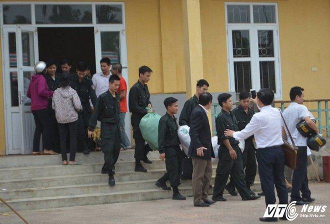 Truy tố 14 cán bộ liên quan đến sai phạm đất đai tại xã Đồng Tâm - Ảnh 1.