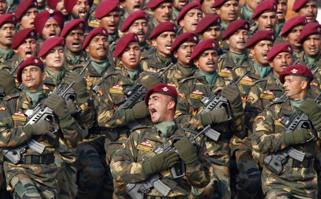 Ấn Độ khẩn cấp mua đạn sẵn sàng chiến tranh, quân đội nhận lệnh quyết không lui trước TQ