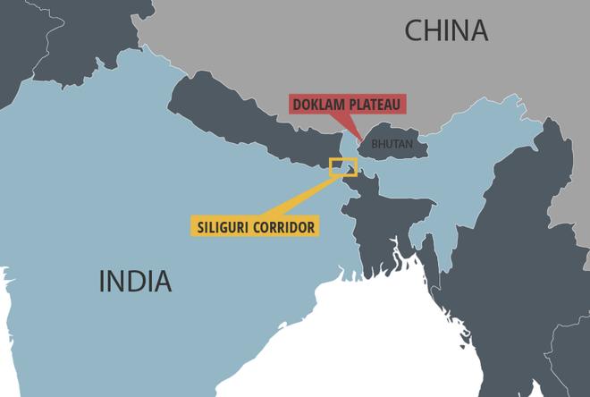 Sợ Trung Quốc mở đường cho xe tăng, Ấn Độ đổ quân tình báo tới biên giới nghe ngóng - Ảnh 1.