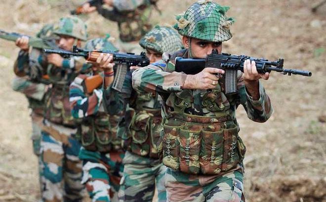Sợ Trung Quốc mở đường cho xe tăng, Ấn Độ đổ quân tình báo tới biên giới nghe ngóng