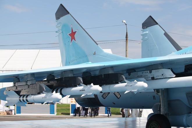 Từ Nga: Loạt ảnh cận cảnh MiG-35 lần đầu lộ diện tại MAKS 2017 - Ảnh 9.