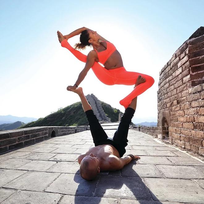 Gia đình Yoga nổi tiếng thế giới: Vì sao họ dành trọn đam mê và tình yêu cho Yoga? - Ảnh 4.