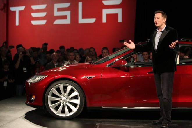 Elon Musk ra mắt đứa con cưng: Siêu xe Tesla Model 3 chỉ 35.000 đô! - Ảnh 4.