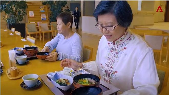 Người giàu Nhật ở đóng 200 triệu/tháng để sống trong viện dưỡng lão - Ảnh 2.