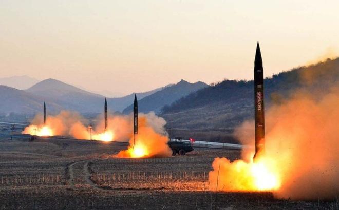 Guam sẽ bị đánh phủ đầu khi Triều Tiên tiến công Mỹ: Nước xa không cứu được lửa gần?