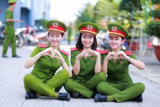 Điểm chuẩn trường công an, quân đội cao kỷ lục: Mừng thì ít, đáng lo thì nhiều - Ảnh 1.