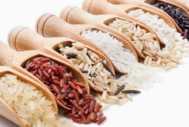 Công dụng bất ngờ khi cho một thìa dầu dừa vào gạo rồi nấu cơm, bạn đã biết chưa? - Ảnh 4.