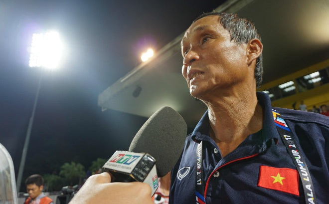 Bi hài SEA Games: Tuyển nữ Việt Nam vô địch, tướng Chung bị