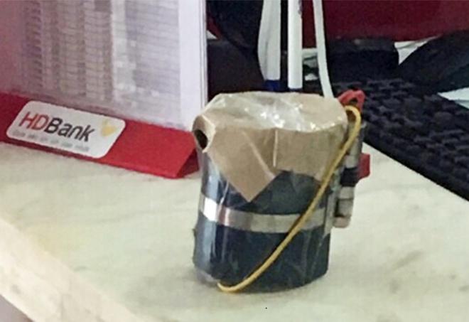 Vụ cướp ngân hàng ở Đồng Nai: Cha mẹ già chết đứng vì 2 con trai là nghi phạm - Ảnh 4.