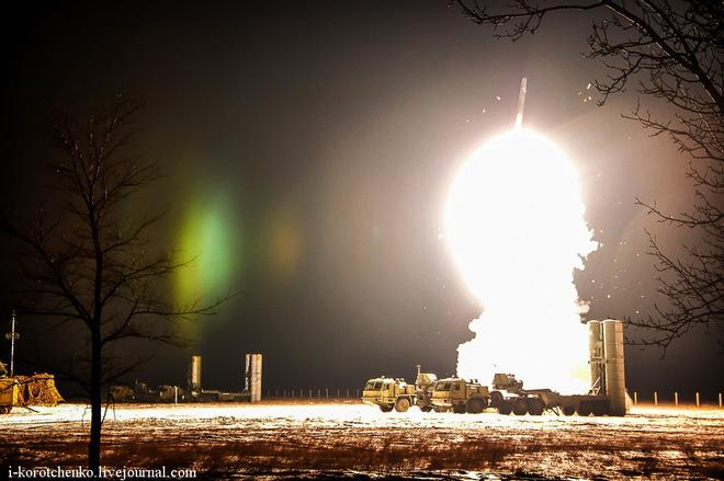 Mỹ bắt đầu phồng mồm vì Thổ Nhĩ Kỳ mua tên lửa phòng không S-400 Nga: Chờ kịch hay - Ảnh 1.