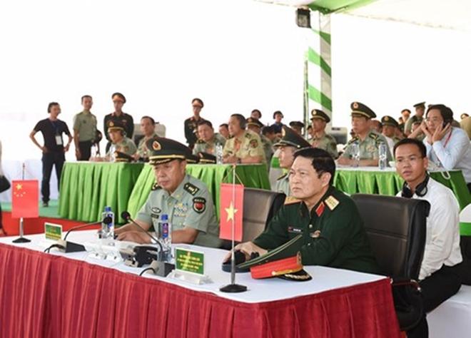Quân đội Việt Nam và Trung Quốc phối hợp tổ chức diễn tập liên hợp chống khủng bố - Ảnh 1.
