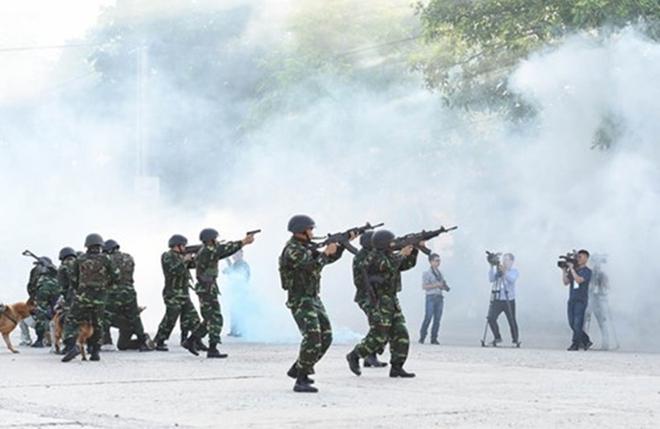 Quân đội Việt Nam và Trung Quốc phối hợp tổ chức diễn tập liên hợp chống khủng bố - Ảnh 9.