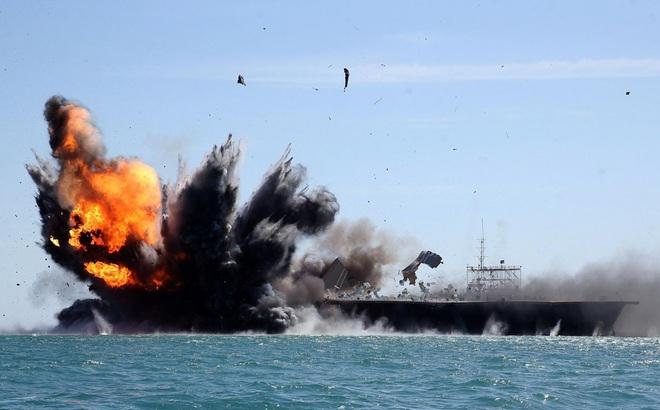 Triều Tiên tung video tên lửa bắn nổ tung tàu sân bay và chiến cơ Mỹ