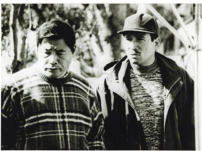 Bí ẩn cuộc đời trùm mafia Nhật Bản: Ngày buôn vũ khí, giết người, tối làm thơ  viết truyện - Ảnh 2.