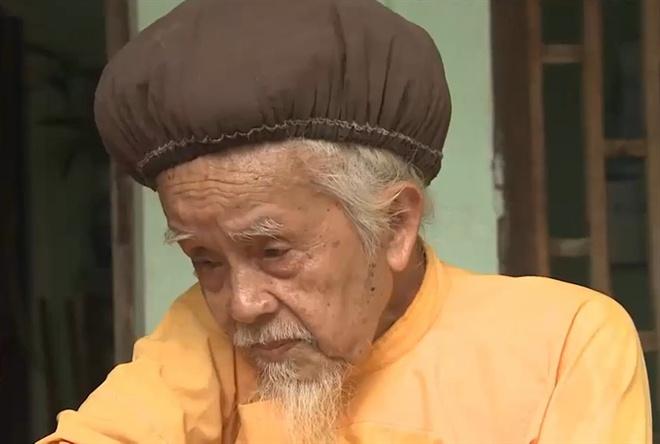 Lạ lùng mái tóc cụ ông hơn 70 năm chưa cắt - Ảnh 1.