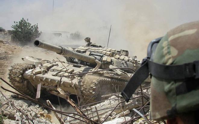 Bị dồn vào chỗ chết, nhiều phiến quân FSA do Mỹ hậu thuẫn đầu hàng QĐ Syria: Khai tin mật