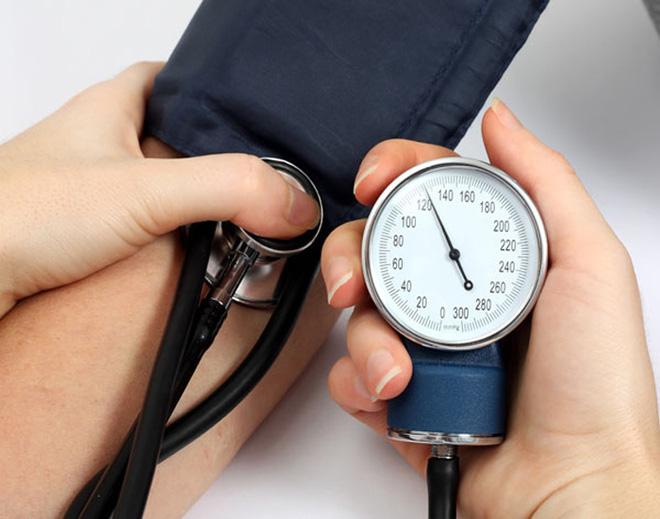 Khi có dấu hiệu này, có thể bạn đã bị bệnh huyết áp thấp: Hãy cẩn thận đề phòng ngất xỉu - Ảnh 3.