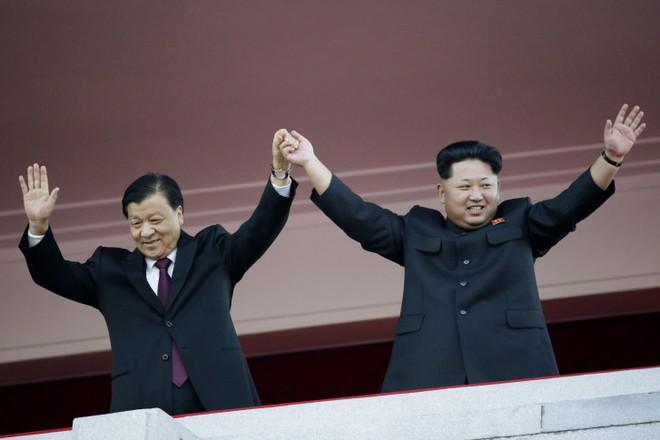 Muốn dằn mặt Nga-Trung, ông Kim Jong Un không mong gì hơn... một đòn sấm sét của ông Trump - Ảnh 1.