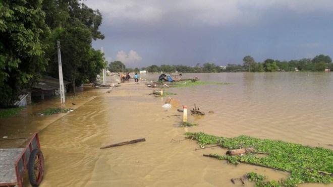 Hình ảnh nước ngập trắng vùng sau sự cố vỡ đê ở Hà Nội - Ảnh 2.