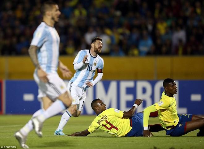 Messi, người hùng mang dư vị đắng - Ảnh 1.