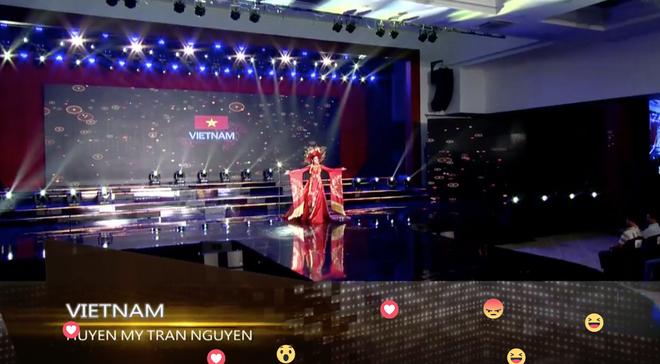 Clip: Huyền My mặc quốc phục hoành tráng, tỏa sáng trên sân khấu Miss Grand International 2017 - Ảnh 2.