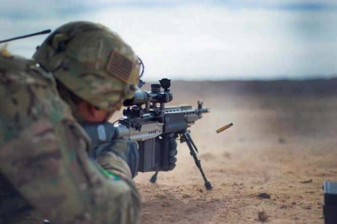 Mk 14 EBR – Khẩu súng xóa nhòa ranh giới giữa súng trường tấn công và súng bắn tỉa - Ảnh 1.