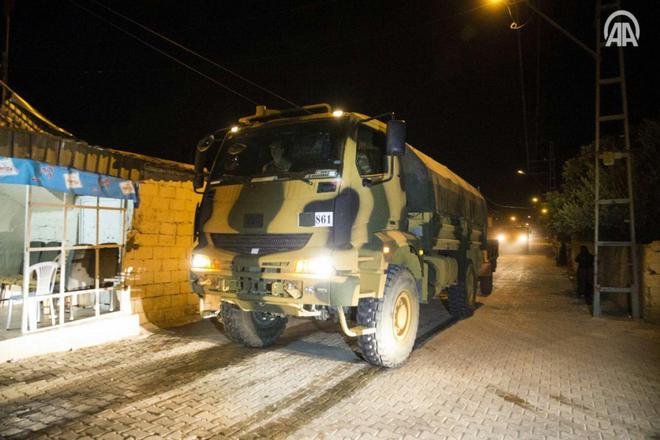 NÓNG: QĐ Thổ Nhĩ Kỹ chính thức ào ạt vượt biên, xông vào Idlib, Syria - Căng thẳng tột độ - Ảnh 1.