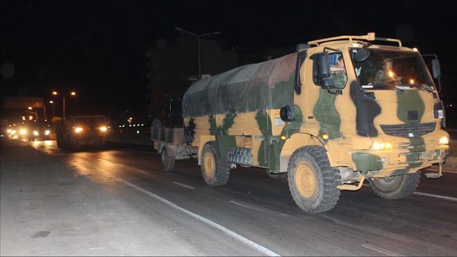 NÓNG: QĐ Thổ Nhĩ Kỹ chính thức ào ạt vượt biên, xông vào Idlib, Syria - Căng thẳng tột độ - Ảnh 2.