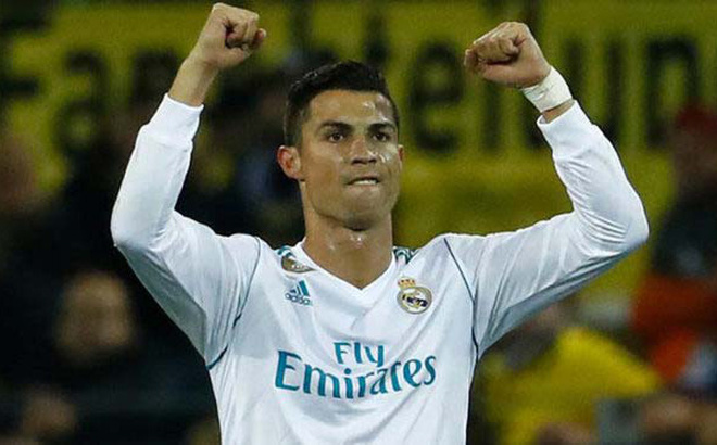 Ronaldo gặp tháng 10: Như cá gặp nước, sẽ bắt kịp Messi giày Vàng