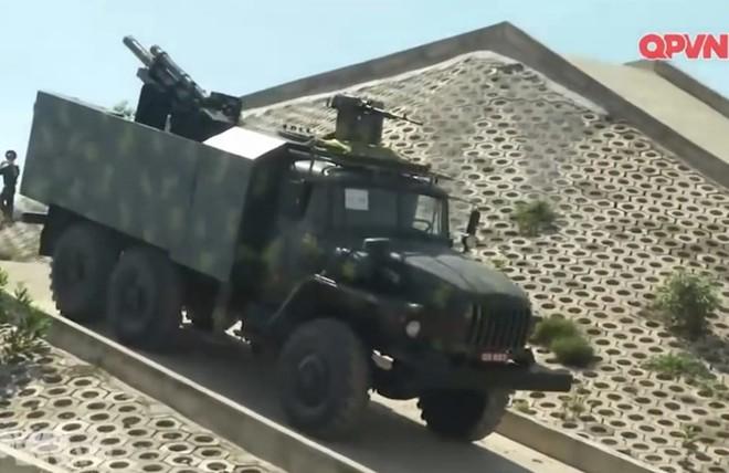 CNQP Việt Nam bàn giao pháo tự hành cơ động mẫu mới nhất chế tạo trong nước về đơn vị - Ảnh 3.