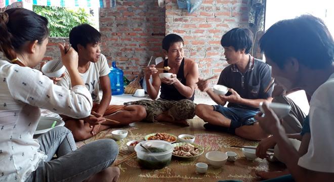 Chuyện tình ri đô trong những căn biệt thự bỏ hoang ở Hà Nội - Ảnh 1.