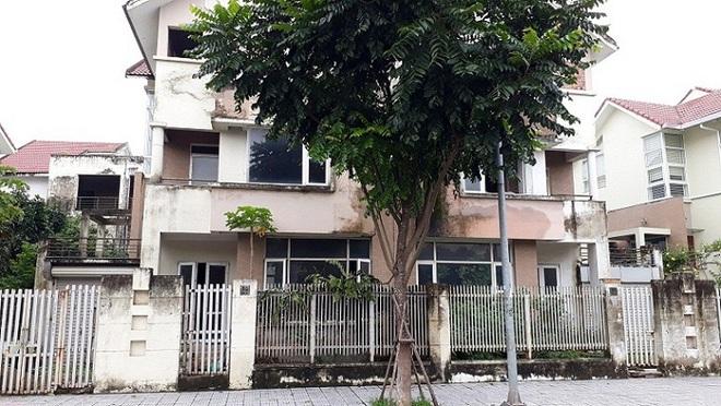 Chuyện tình ri đô trong những căn biệt thự bỏ hoang ở Hà Nội - Ảnh 2.