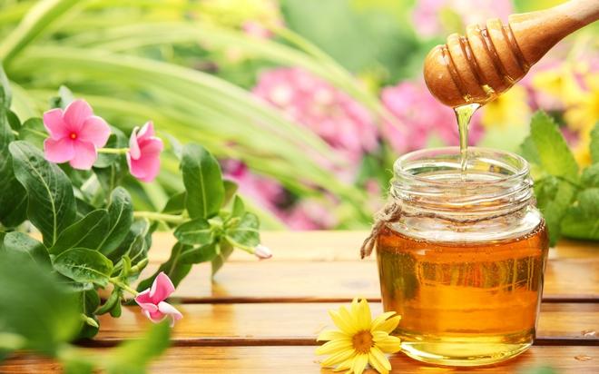 Thải độc đường ruột, thanh lọc cơ thể: Hãy uống 1 thìa mật ong vào đúng thời điểm - Ảnh 1.