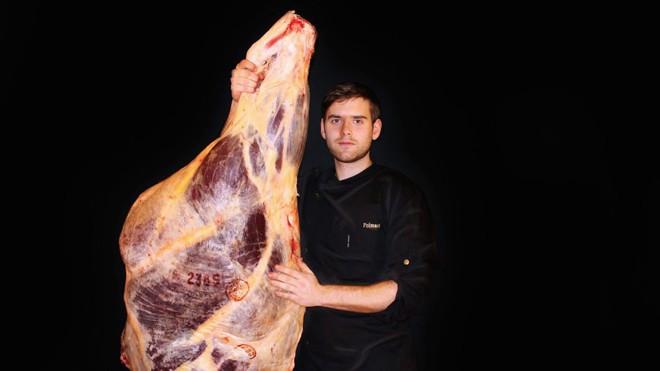 Món thịt bò ngủ đông đắt nhất thế giới, muốn ăn phải đặt trước cả năm trời - Ảnh 1.