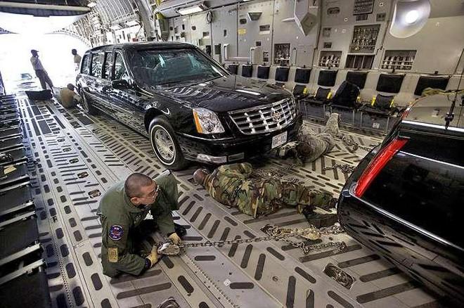 Đội hình xe hộ tống Tổng thống Mỹ: Vì sao được gọi là Nhà Trắng bọc thép di động? - Ảnh 3.