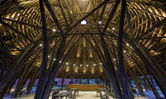 Nhà hàng vòm tre, mái lợp tranh nổi bật ở Sơn La khiến báo nước ngoài thán phục - Ảnh 11.
