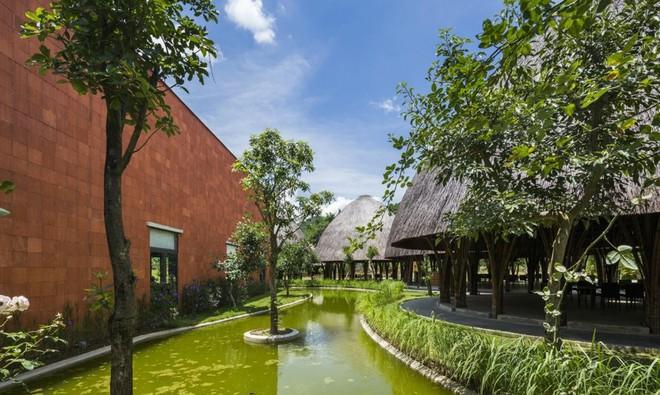 Nhà hàng vòm tre, mái lợp tranh nổi bật ở Sơn La khiến báo nước ngoài thán phục - Ảnh 13.
