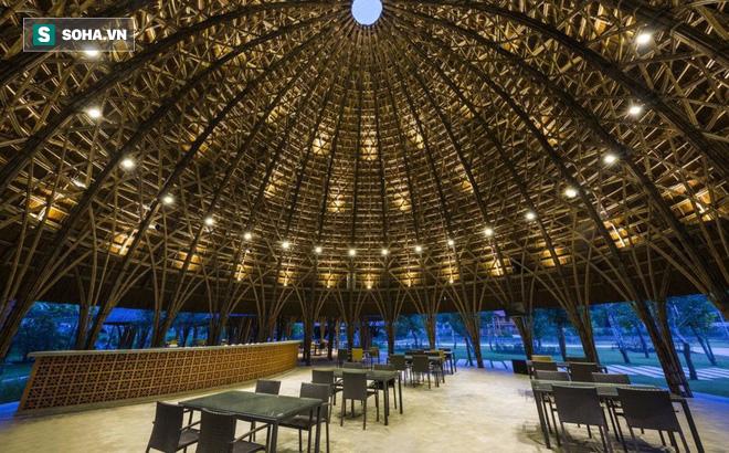 Nhà hàng vòm tre, mái lợp tranh nổi bật ở Sơn La khiến báo nước ngoài thán phục