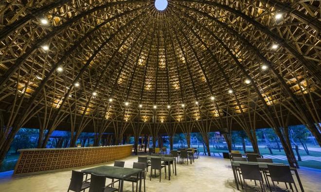 Nhà hàng vòm tre, mái lợp tranh nổi bật ở Sơn La khiến báo nước ngoài thán phục - Ảnh 6.