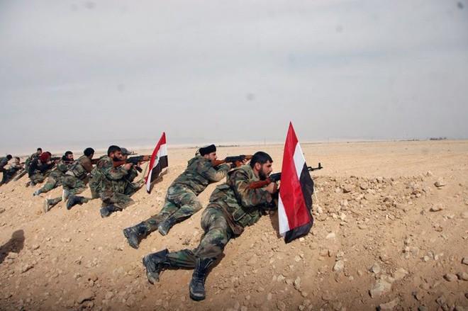 Bị đánh bật ở Abu Kamal: Nga-Syria thua vì nóng vội và hở sườn, không phải do Mỹ thả IS? - Ảnh 2.