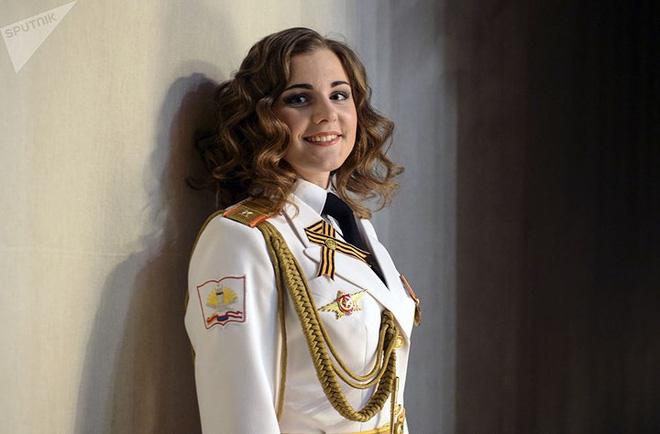 Ảnh: Chao đảo vì các thí sinh hoa hậu học viên quân sự ở Nga - Ảnh 2.
